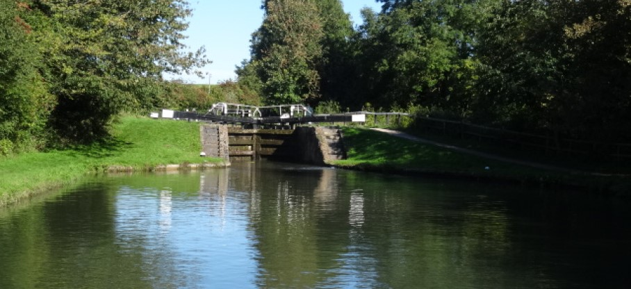 On the Marsworth flight of locks on the Grand Union Canal