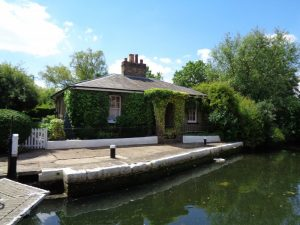 Lock Keepers cottage at Hanwell